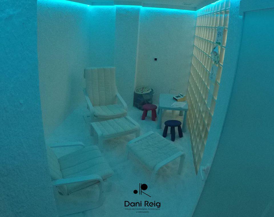 35188405 201340223832043 2611754077800890368 n - Nuestra sala de haloterapia, el lugar ideal para la fisioterapia respiratoria